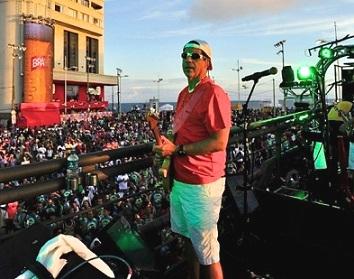 cb259181aa Asa de Águia abre o Carnaval de Salvador 2013 - 07 02 2013 - Bloco ...